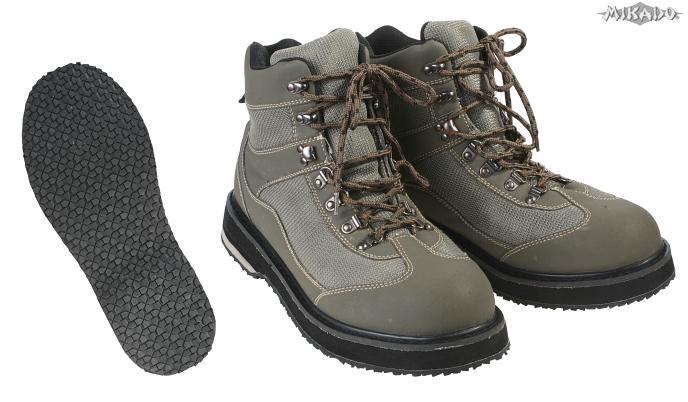 Brodiace topánky s gumovou podrážkou veľ. 42